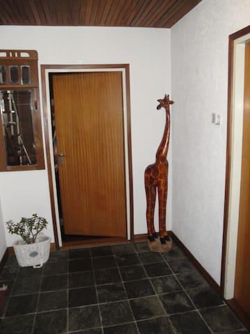 B&B Weidezicht- The African House - Groesbeek - Hus