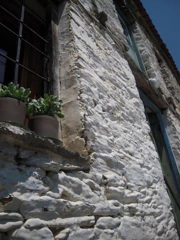 a renovated stone house  - Melivoia - Villa