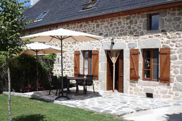 Nice stone cottage,South of France - Sarroux - Lägenhet