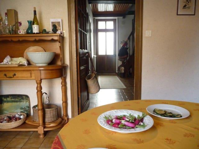 Perfect hideaway in wine village - Remigny - Huis