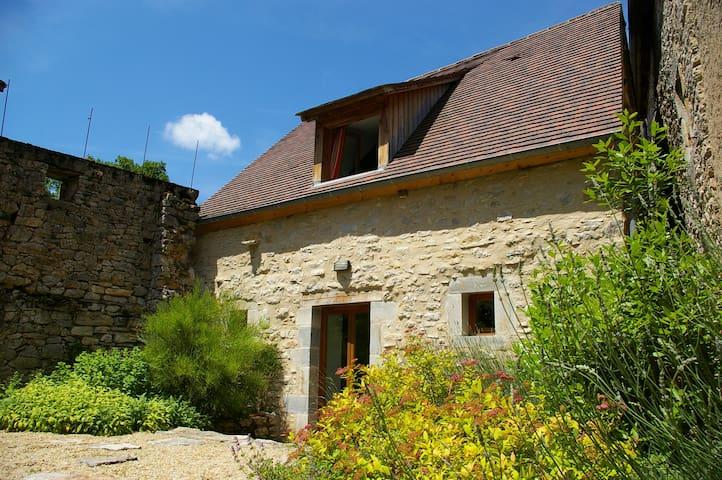 Quercy Stone Gite - Marcilhac-sur-Célé - Hus