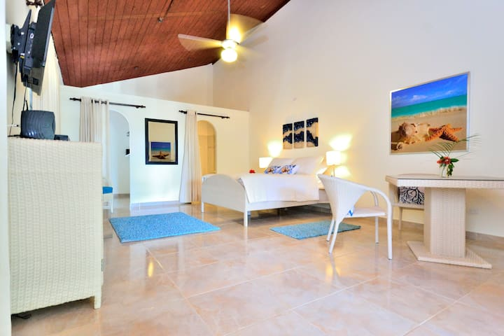 new room right in the center of Sosua - Sosua - Casa