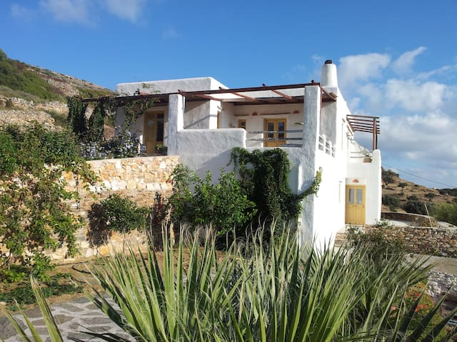 beautiful house in the countryside - Lefkes - Hus