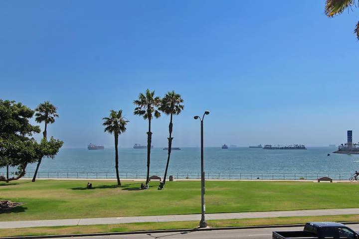 Bluff Park Villa with Ocean Views - Long Beach - Villa