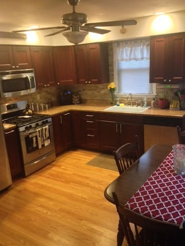 Superbowl 2014 Home Rental! - Lyndhurst - Appartement