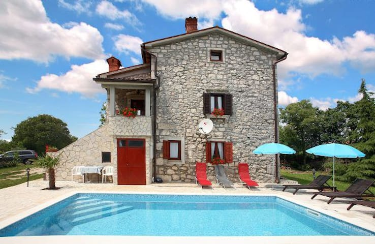 Rustic Villa Volta with  pool - Labin - Villa