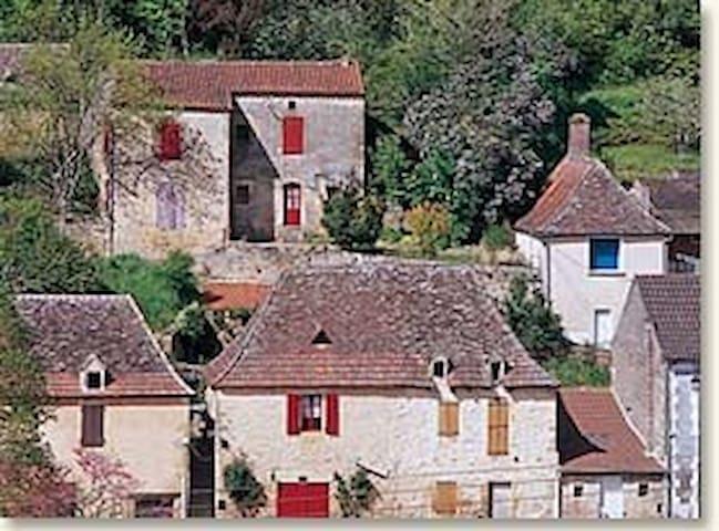 Magical bijou 1bd house on Dordogne - Lalinde - Ház