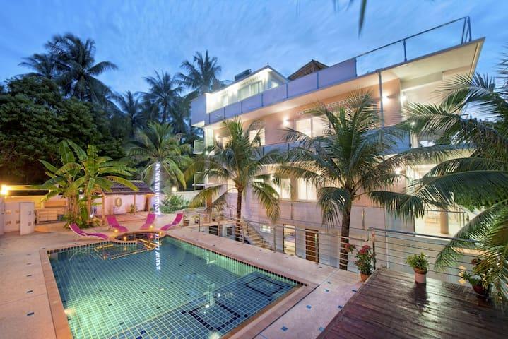 Private Villa in a Quiet Location - Muang Phuket - Huoneisto