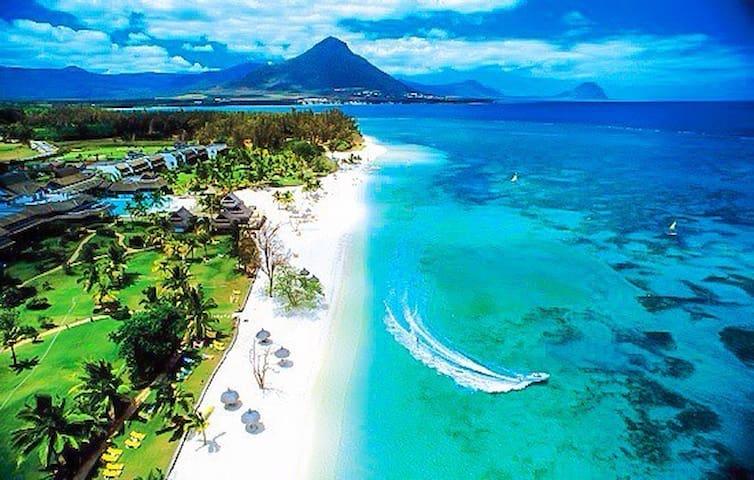 Paradya Beach Apartment - sea view - Flic en flac - Leilighet