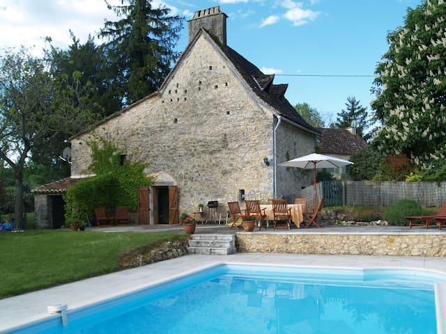 Dordogne Farmhouse & private pool - Beaumont-du-Périgord - Ev