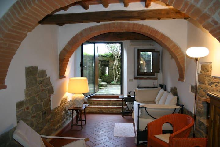 Cosy Town House in Tuscany - Monte San Savino - Rumah