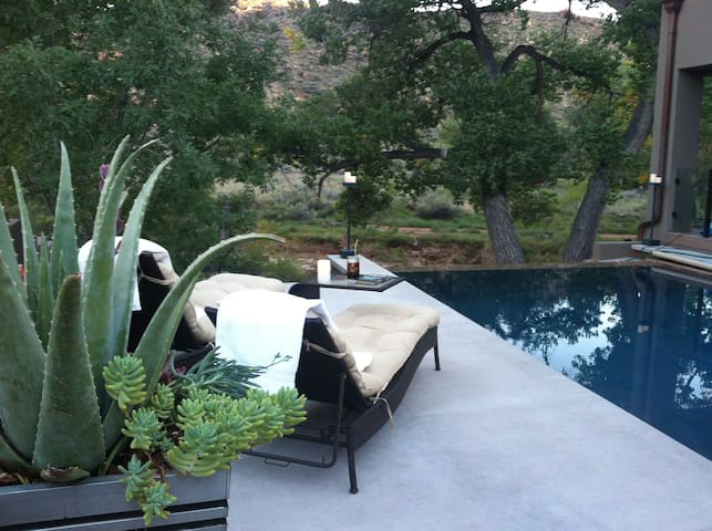 Zion Riverside Infinity edge pool - springdale - Rumah