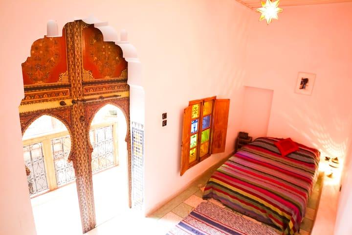 The Red Room, Dar Rbab, Fes Medina - Fes - Hus
