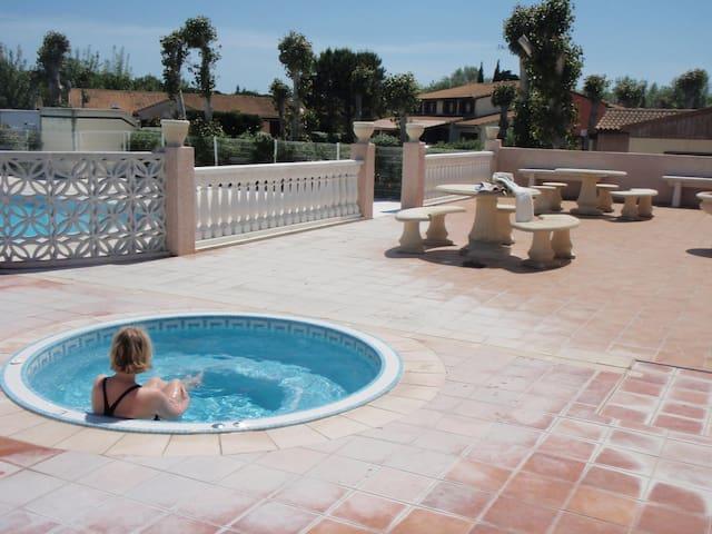 maison vacances bord de mer,piscine chauffée - Portiragnes - Casa