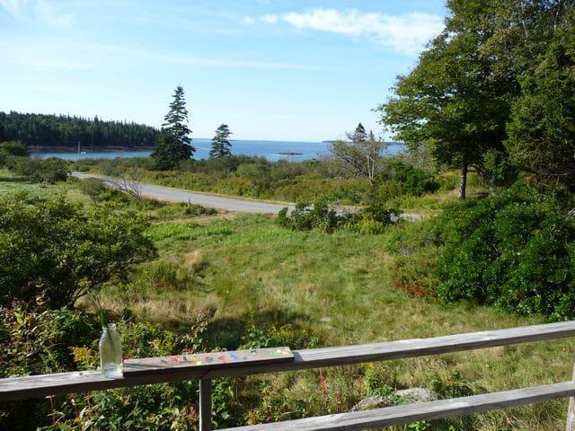 Peaceful Shoreline House - Swans Island - Ev