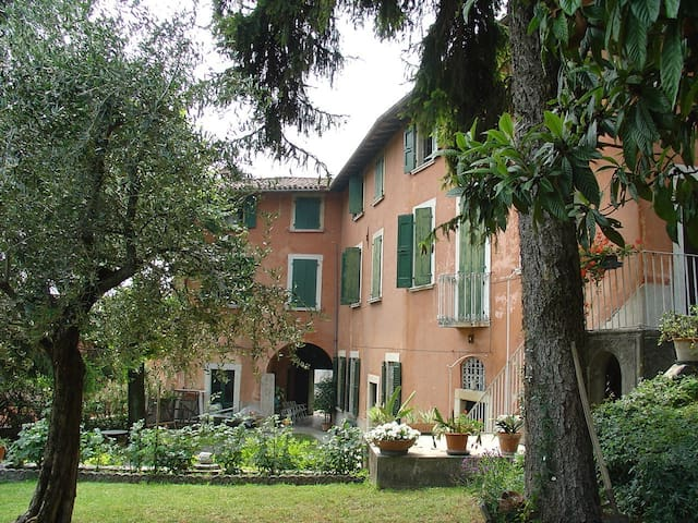 Charming Venetian house  near Salò - Villanuova Sul Clisi - Dům