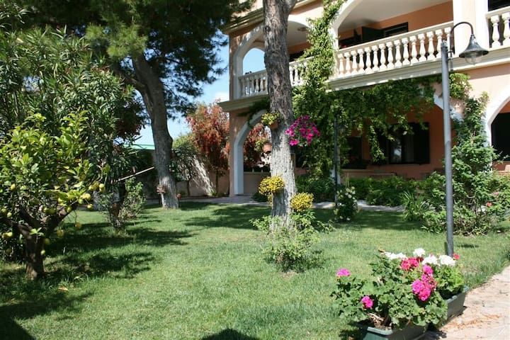 Apartment for 4, at 100 meters from the beach - Lendinuso - Departamento