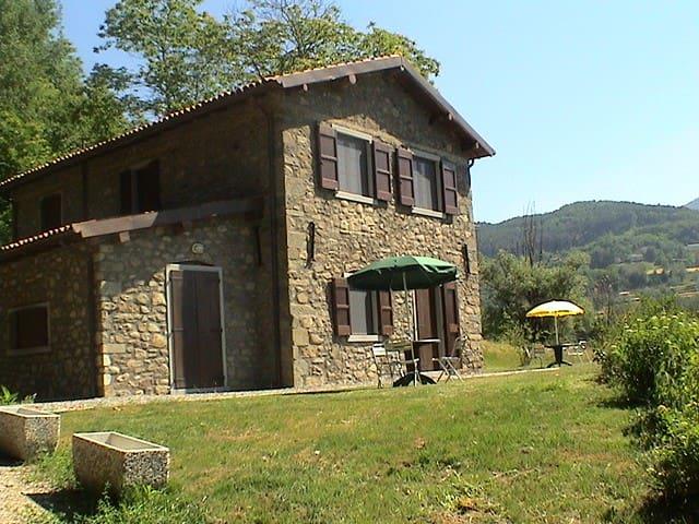 Eco Farmhouse with horses Castagni3 - Castiglione di Garfagnana