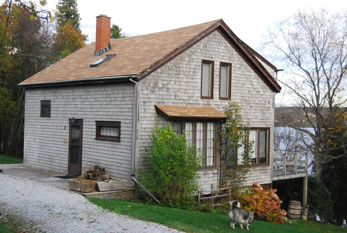 Old Launch Ways - Family Cottage  - Clifton Royal - Cabin