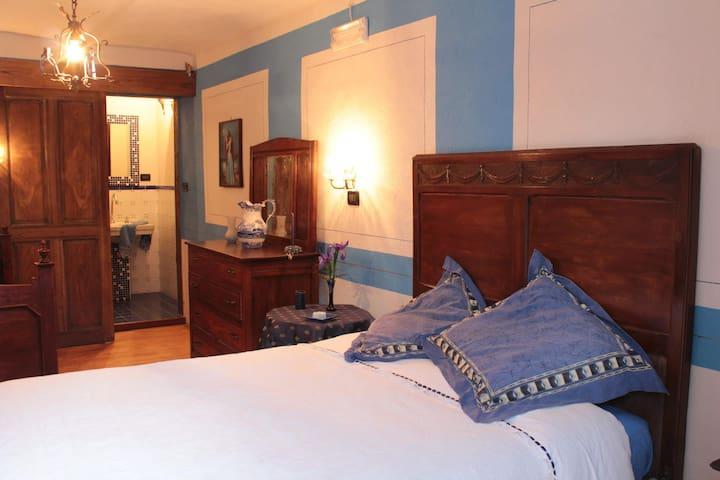 the patronal blue room - Coassolo - Bed & Breakfast