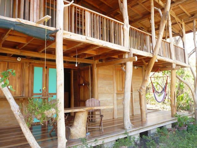 Tree house in a real jungle setting - Puntarenas Canton - Oda + Kahvaltı