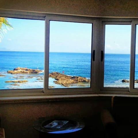 Cozy 1bedrom flat right by the Sea - Ammochostos - Appartement