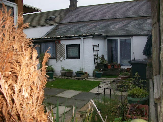 Brigand cottage bythe sea Cresswell - Morpeth