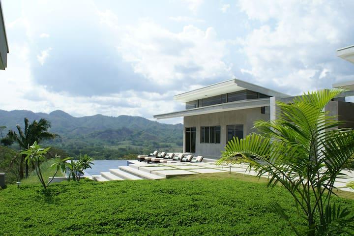 Luxurious Guest House Rental  - Caimital - Casa