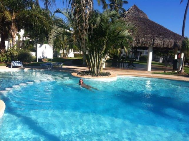 Charming 2br condo pool golf beach - Mazatlán - Huis