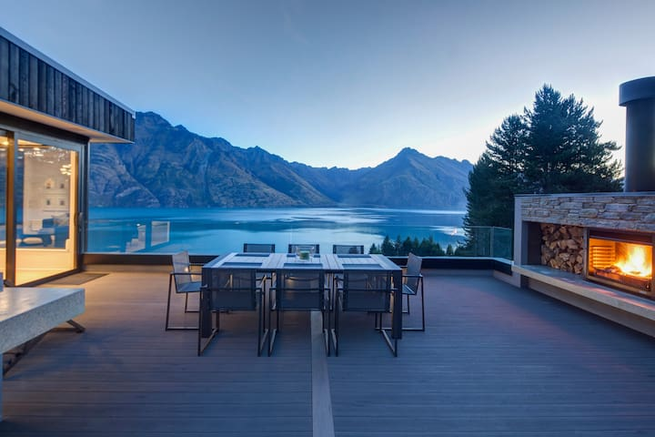 Altitude Luxury-breathtaking views - Queenstown - Huis