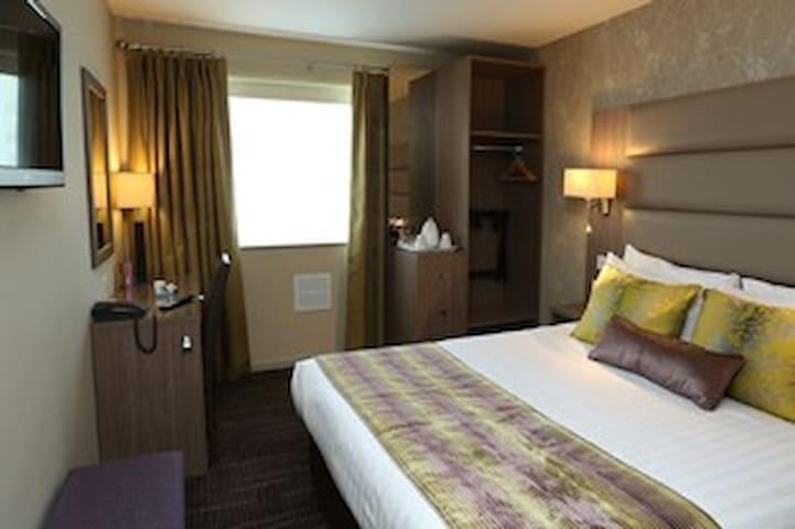 BW Pontypool Metro Hotel - Pontypool - Bed & Breakfast