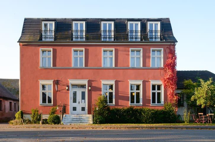 FUCHSBAU - wunderschönes Landhaus - kleine Gruppe - Milower Land