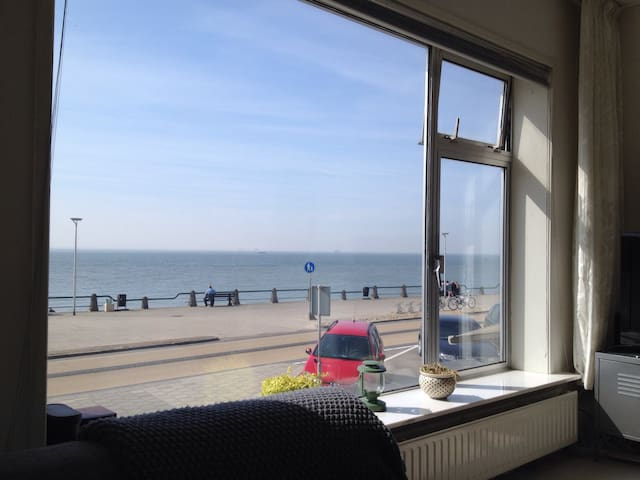 Beach apartment with sea view - Vlissingen - Daire