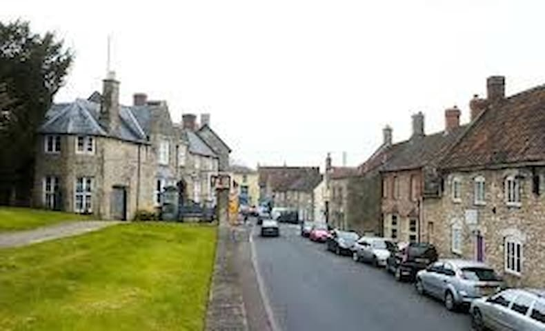 Be My Guest Wedmore Village B and B - Wedmore - 家庭式旅館