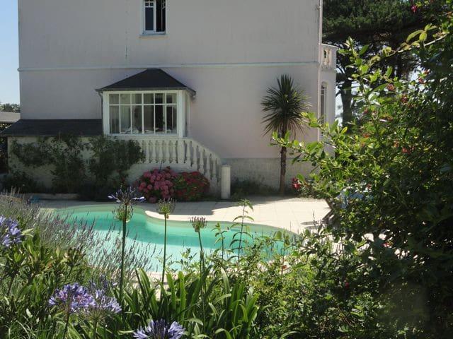 charm, beach(300m), pool, Normandy! - Portbail - Huis