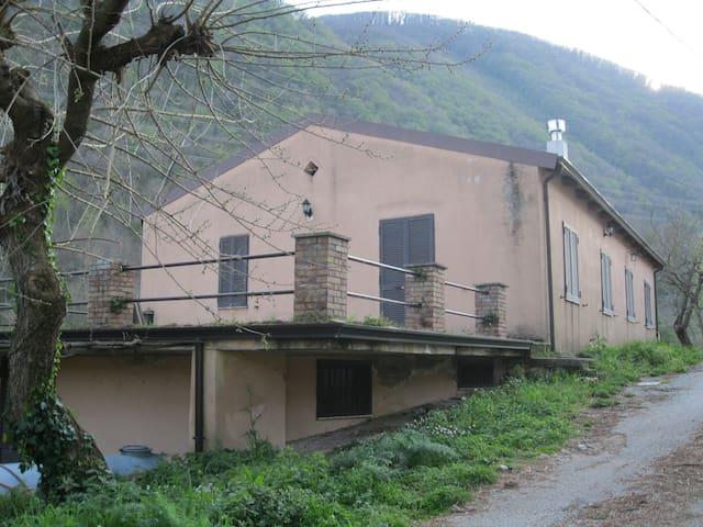 """La """"Vallicella"""" casa di collina - San Martino Valle Caudina"""