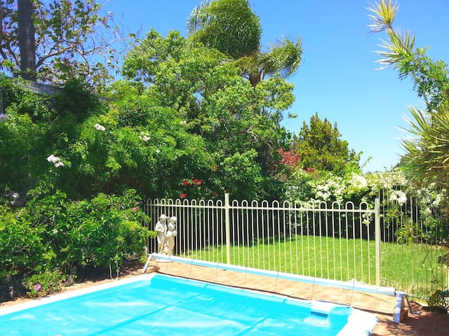 Ruths Place, Holiday Hideaway - Kingsley
