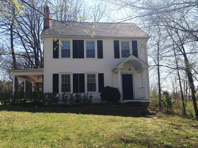 Lovely 3BED/3 Historic Home in Mayberry! - Mount Airy
