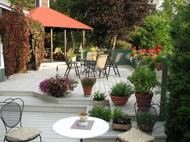 Au Jardin d'Ozanne B&B BaieSt-Paul - Baie-Saint-Paul - Bed & Breakfast