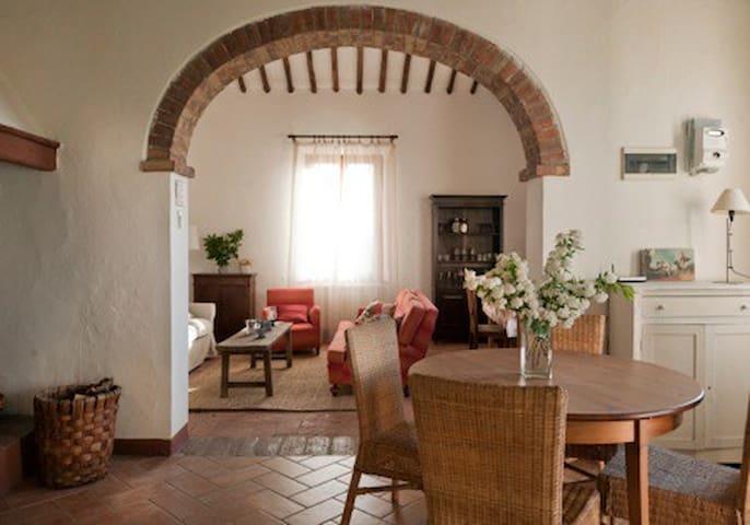 lovely farm-house 5 km from Siena - Siena