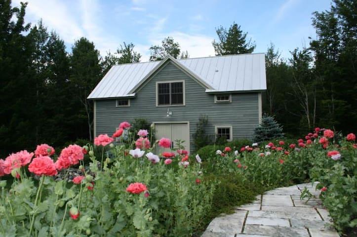 Luxury Barn Apt. Near Middlebury, Burlington, VT - Lincoln - Apartmen