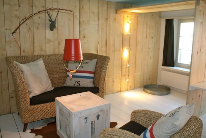 kunstvolle 2-Zimmerwohnung nähe See - Steckborn