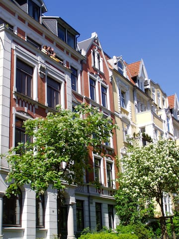 Spacious Art Nouveau near center - Flensburg - Appartement