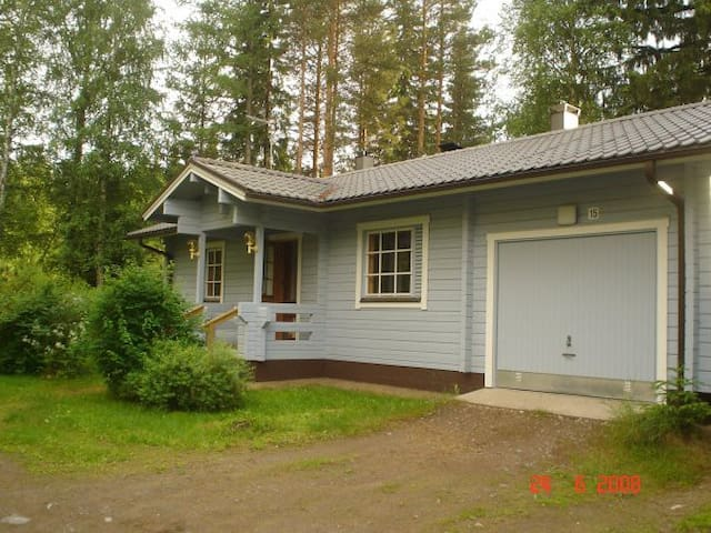 Cosy and nice house with a lake vew - Rantasalmi assemaa - Casa