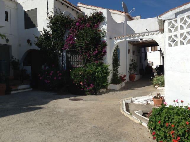 Cosy one bedroomed village house - Barranco Ferrer - Talo