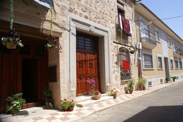 Casa rural Rincón de los recuerdos - Los Yébenes - Hus