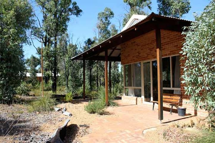 Chalets Self contained - Stoneville - Chalet
