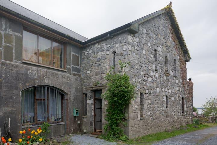 Oranmore Castle Lodge - Galway - Ev