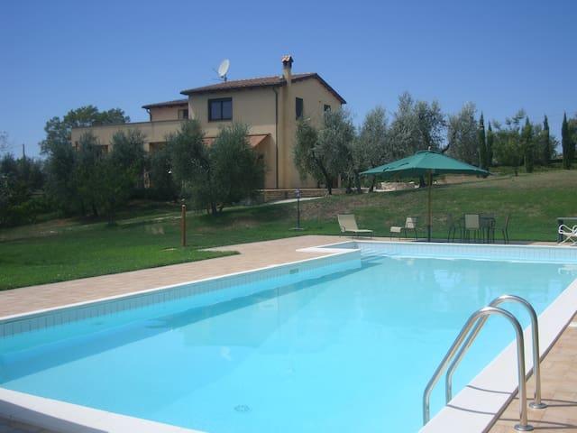 Lazio Villa, 3 bedrooms, sleeps 7 - Montebuono