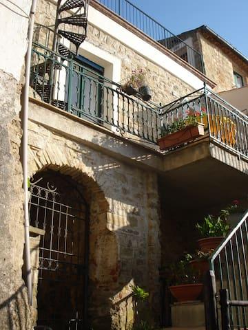 Italian traditional country home - Perdifumo